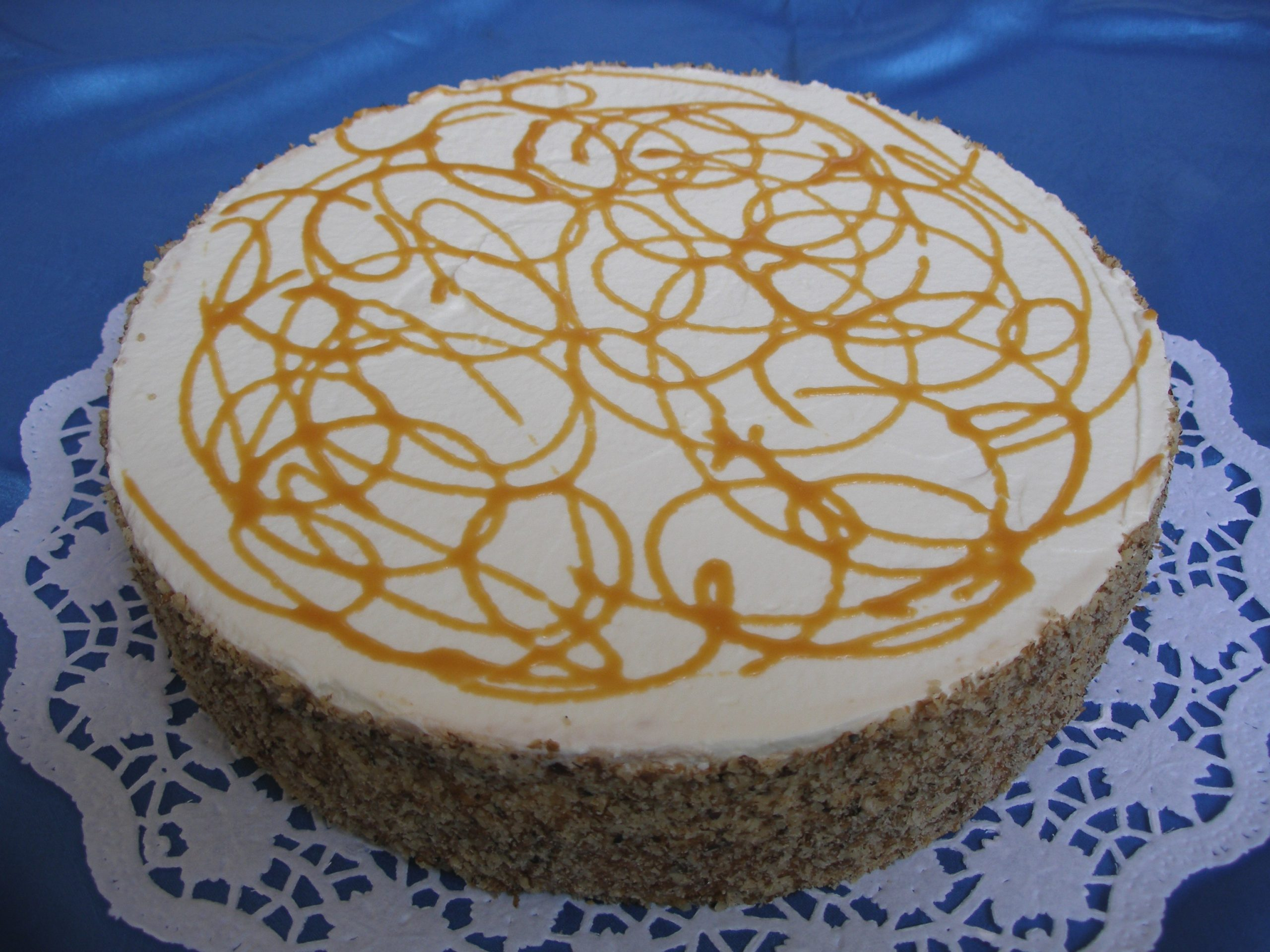 Art.Nr. 043 – Erdnuss-Karamell-Torte